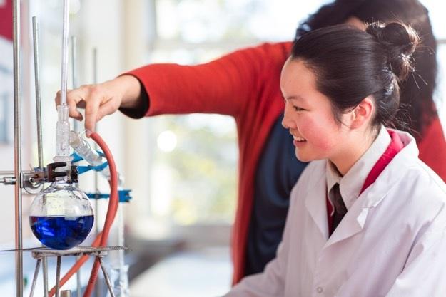 Việc tự do học tập theo thiên hướng cá nhân giúp học sinh luôn duy trì được niềm yêu thích trong học hành.