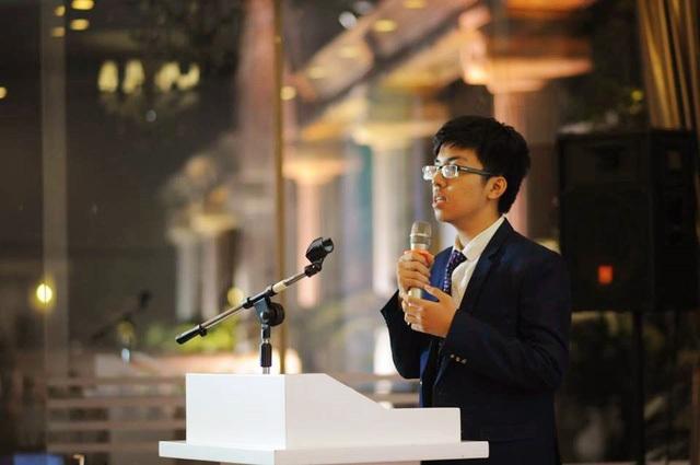 Lê Mạnh Linh là một trong những gương mặt học sinh Việt thành công nhất mùa tuyển sinh đại học quốc tế năm nay khi chinh phục thành công 3 trường đại học Ivy League, Mỹ.