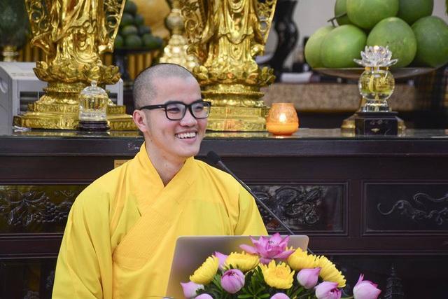 Sư thầy Thích Tâm Tiến đang tu tại chùa Hoằng Pháp, TP.HCM vừa giành học bổng thạc sĩ từ ĐH Harvard và ĐH Yale (Hoa Kỳ).