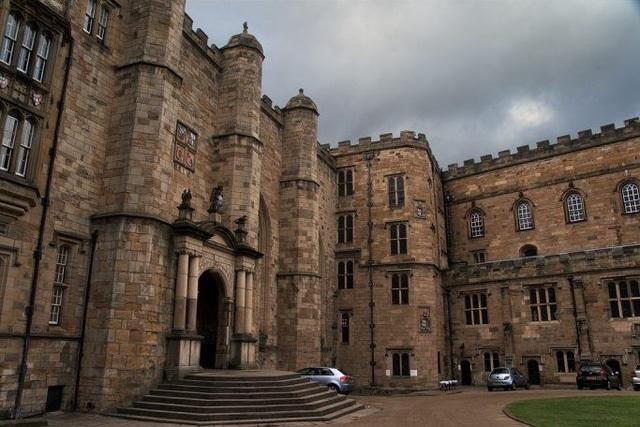"""10 trường đại học có đầu vào """"khắc nghiệt"""" nhất nước Anh - 8"""