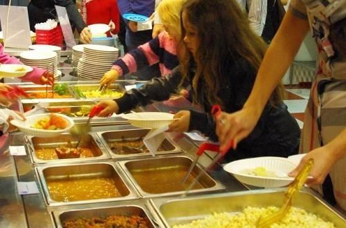 Bữa ăn ở trường của học sinh Phần Lan.