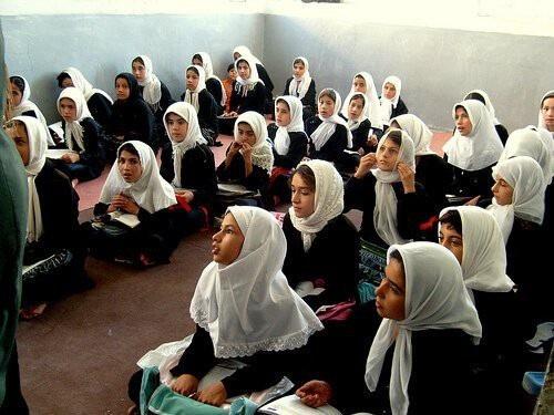 Tiết lộ bất ngờ thú vị về một số nền giáo dục trên thế giới - 9