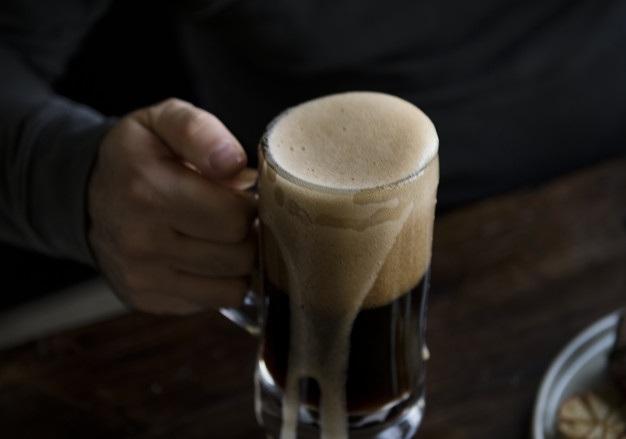 Sinh viên được học những kiến thức cần thiết để chưng cất được loại bia của riêng mình (Ảnh: Freepix)