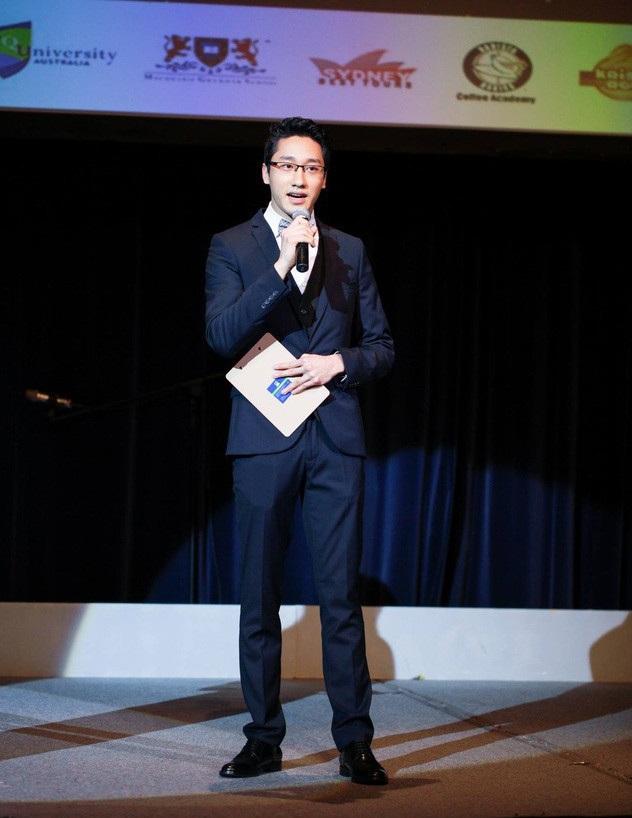 Nguyễn Việt Hùng – nhà khoa học 9X điển trai đã phát hiện ra 8 loài vi khuẩn mới.