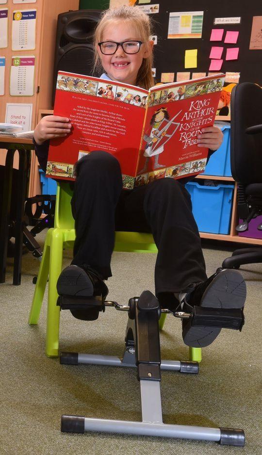 Học sinh tại ngôi trường này có thể vừa ngồi học vừa đạp xe để chống béo phì - 4