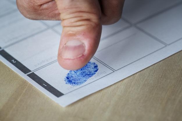 Hầu hết những người đến thăm, làm việc, nghiên cứu hoặc muốn thường trú tại Canada sẽ được yêu cầu cung cấp dấu vân tay và ảnh.(Ảnh: Freepik).