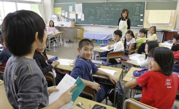 Chính phủ Nhật Bản đặt mục tiêu giảm tỉ lệ người lao động nước này phải làm việc trên 60 giờ/tuần xuống tối đa 5% vào năm 2020.