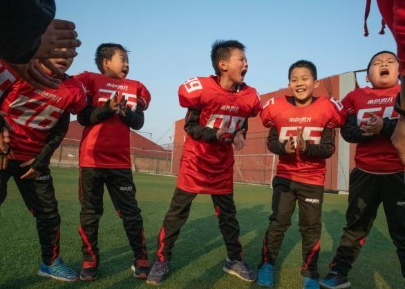 Theo một khảo sát năm 2014 trên 20.000 học sinh tiểu học và phụ huynh tại 4 tỉnh Trung Quốc, 2/3 học sinh nam tham gia khảo sát có kết quả học tập kém, so với chưa tới 1/3 số học sinh nữ ghi nhận hiện tượng này. Khảo sát do Học viện Khoa học Giáo dục Trung Quốc và Bộ Giáo dục nước này tiến hành.