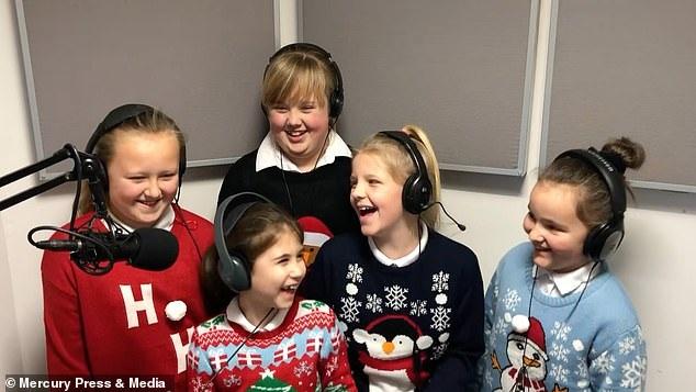 Ngôi trường hạnh phúc nhất nước Anh dịp Giáng sinh 2018 - Ảnh 1.