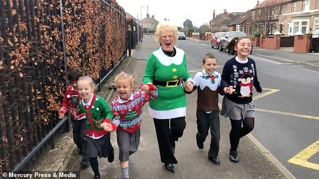 Ngôi trường hạnh phúc nhất nước Anh dịp Giáng sinh 2018 - Ảnh 4.