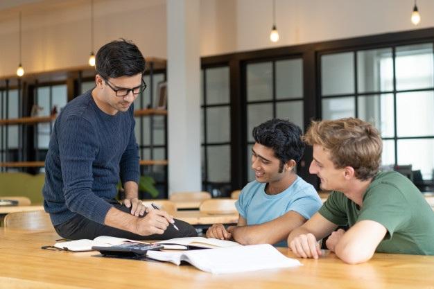 Các trường đại học Nga đang thực hiện nhiều ưu đãi nhằm thu hút sinh viên nước ngoài (Ảnh: Freepik)