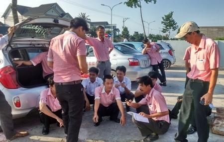 Các tài xế taxi cho rằng bị thiệt thòi với cách quản lý cả Cty Đỗ Gia.