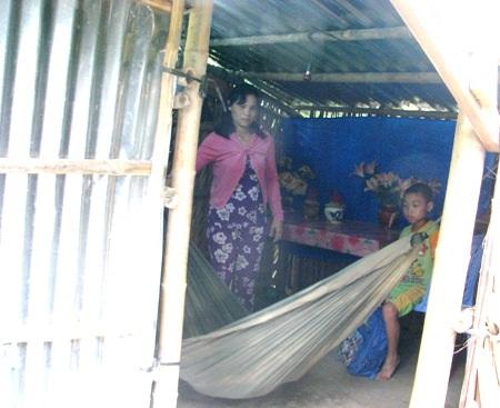 Căn nhà không có gì đáng giá, là nơi trú ngụ của 3 mẹ con chị Thủy.