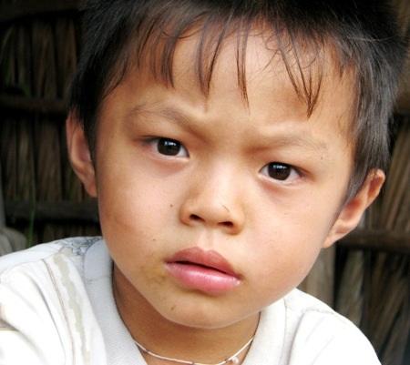 PV Dân trí thông tin về hoàn cảnh của gia đình anh Huyện - chị Lan đăng trên báo Dân trí.