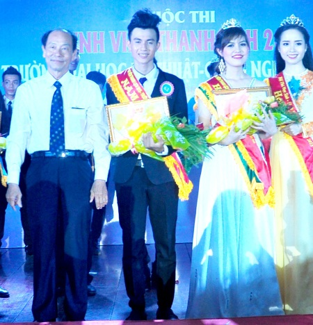 Nam vương Lê Thành Đông và Hoa khôi Phạm Anh Thư.