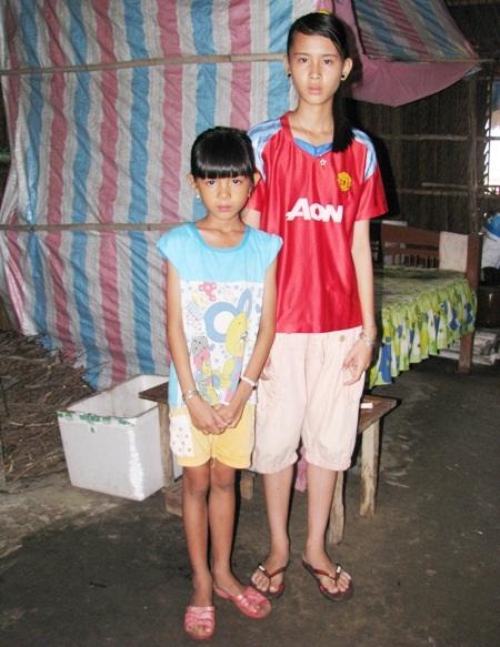 Tương lai của 2 cháu gái này rất cần sự sẻ chia của các tấm lòng hảo tâm.