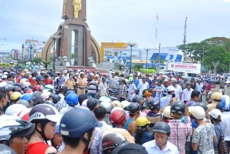 Vụ tai nạn gây kẹt xe nghiêm trọng cả một khu vực.