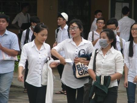 Thí sinh cụm thi Bạc Liêu hoàn thành ngày thi thứ 2. (Ảnh: Huỳnh Hải)