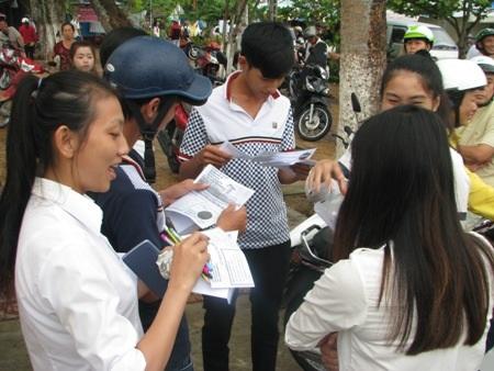 Thí sinh cụm thi Bạc Liêu hoàn thành kỳ thi THPT quốc gia 2015.