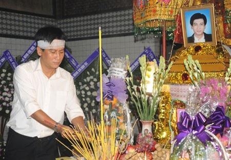 Nguyễn Huỳnh ra đi trong lặng lẽ, thê lương hồi tháng 5/2009.