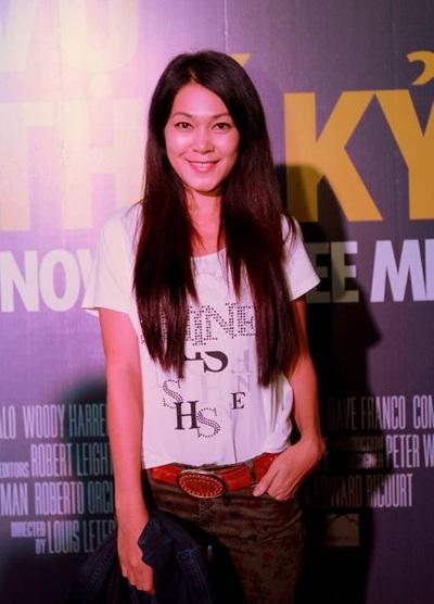 Tham dự sự kiện còn có sự xuất hiện của diễn viên Đinh Y Nhung