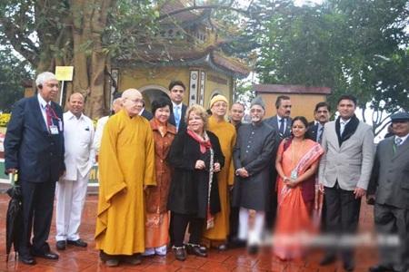 Phó Tổng thống Ấn Độ Mohammad Hamid Ansari thăm chùa Trấn Quốc