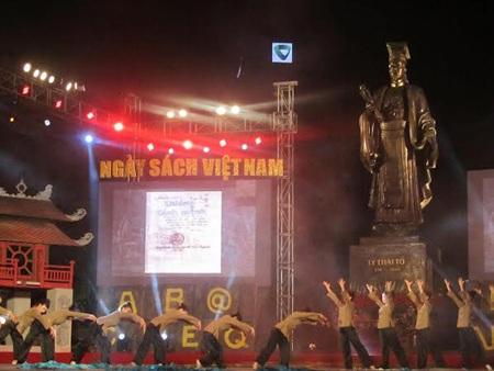 Ngày sách Việt Nam: Có thể thay đổi văn hóa đọc của người Việt?