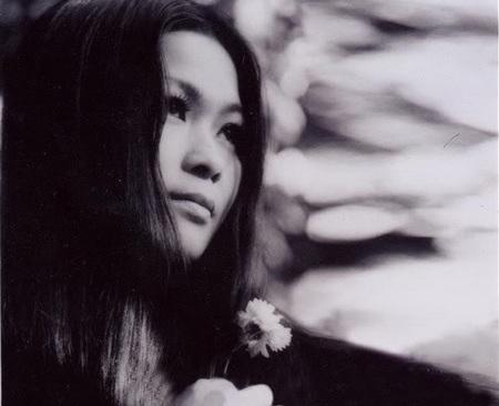 Khánh Ly tên thật là Nguyễn Thị Lệ Mai, sinh ngày 6 tháng 3 năm 1945