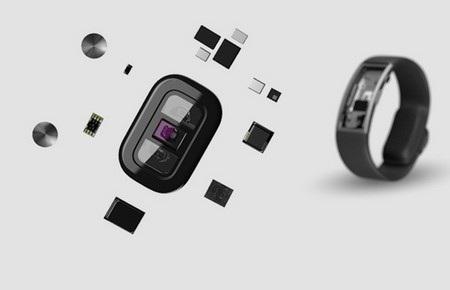 Microsoft được tích hợp nhiều cảm biến để theo dõi sức khỏe và quá trình hoạt động của người đeo