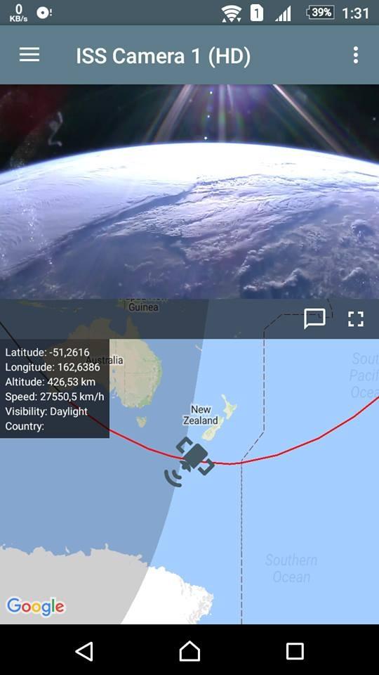Hình ảnh địa cầu vào thời điểm chuyển giao từ nửa bán cầu tối sang sáng được nhìn từ ISS