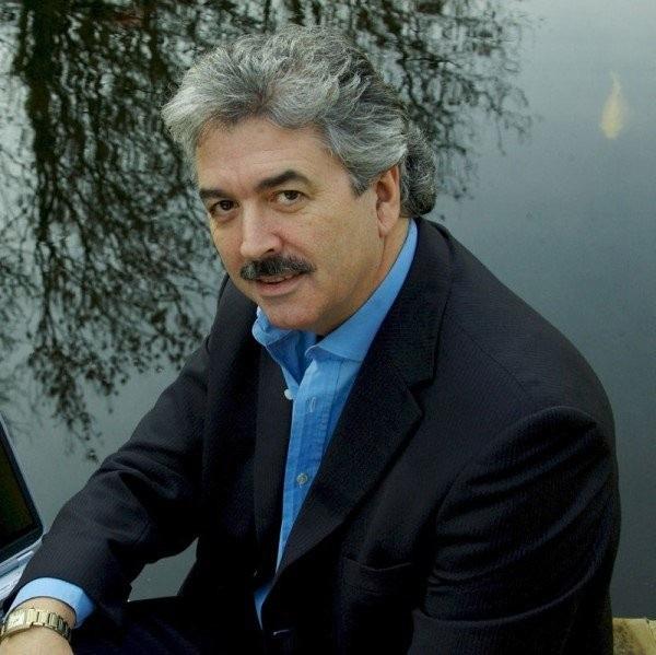Dominic O'Brien được mệnh danh là người có trí nhớ tốt nhất thế giới