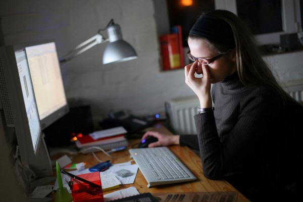 Công cụ giúp bảo vệ sức khỏe khi làm việc nhiều trên máy tính | Báo Dân trí