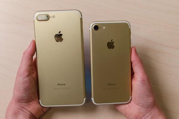 Bộ đôi iPhone 7 và 7 Plus vừa được ra mắt hồi tháng 9 chưa đủ giúp Apple cải thiện doanh thu trong quý vừa qua