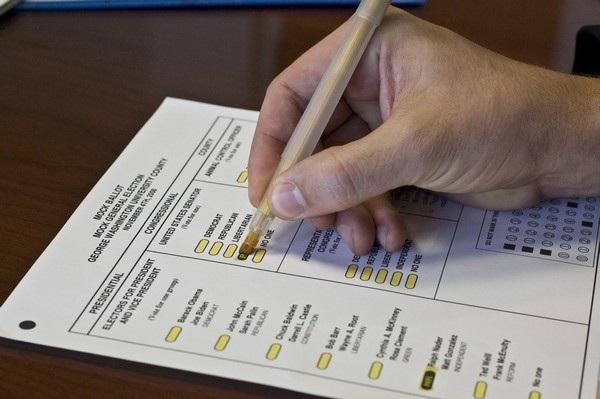 Lựa chọn của cử tri trên lá phiếu sẽ được kiểm bằng hệ thống quét lá phiếu quang học