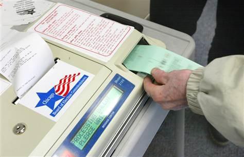 Các lá phiếu đục lỗ sẽ được kiểm bằng máy hoặc bằng tay