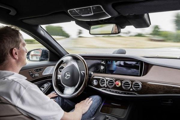 Những chiếc xe tự lái không chỉ còn xuất hiện trong những bộ phim khoa học viễn tưởng