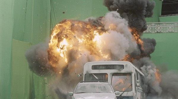 """Một cảnh thành phố cháy nổ hoành tráng trong bộ phim """"Biệt đội siêu anh hùng"""" thực chất được thực hiện trong phim trường"""