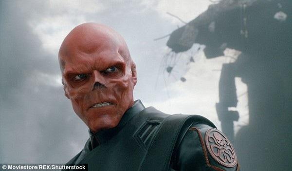 Chi 380.000 USD cắt mũi và phẫu thuật gương mặt để giống... ác quỷ - 3