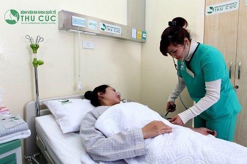 Người bệnh sau phẫu thuật thông tắc vòi trứng, ống dẫn trứng được chăm sóc chu đáo tại phòng riêng tiện nghi, người nhà không cần phải lo lắng.