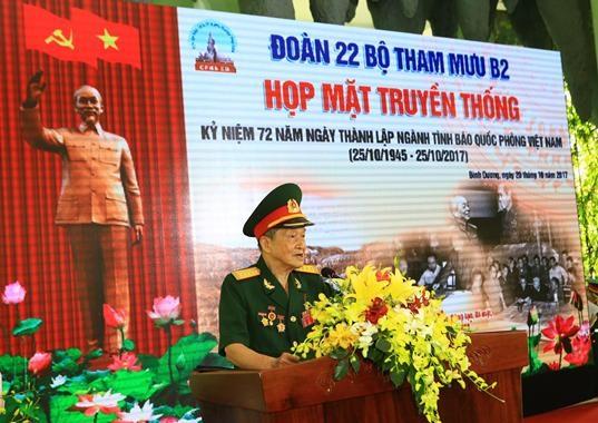 Đại tá AHLLVTND Nguyễn Văn Tàu - nguyên chính ủy phòng tình báo miền – phát biểu
