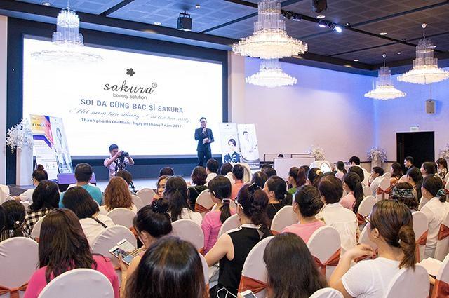Sakura mang đến hàng loạt chương trình hỗ trợ tư vấn, chăm sóc da chuẩn y khoa dành cho phụ nữ với sự tham gia tư vấn của nhiều chuyên gia da liễu