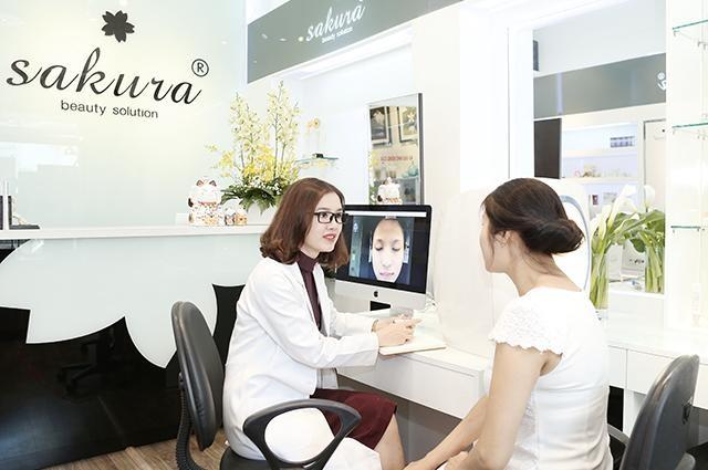 Các bác sĩ, chuyên gia da liễu luôn đồng hành cùng Sakura, mang đến những giải pháp làm đẹp lý tưởng dành cho phụ nữ Á Đông