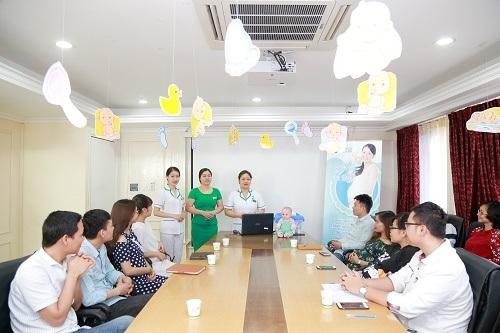 Lớp học tiền sản tại bệnh viện ĐKQT Thu Cúc là hành trang cho mẹ tự tin, có đầy đủ kiến thức trong thai kỳ cũng sau sinh