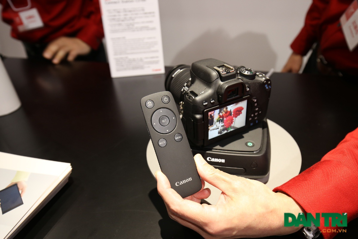 Và một thiết bị nổi bật mới nhất là Connect Station S100