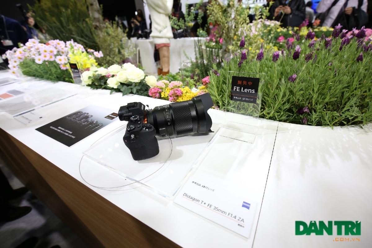Sony mang dàn ống kính FE Lens mới tại CP+ 2015