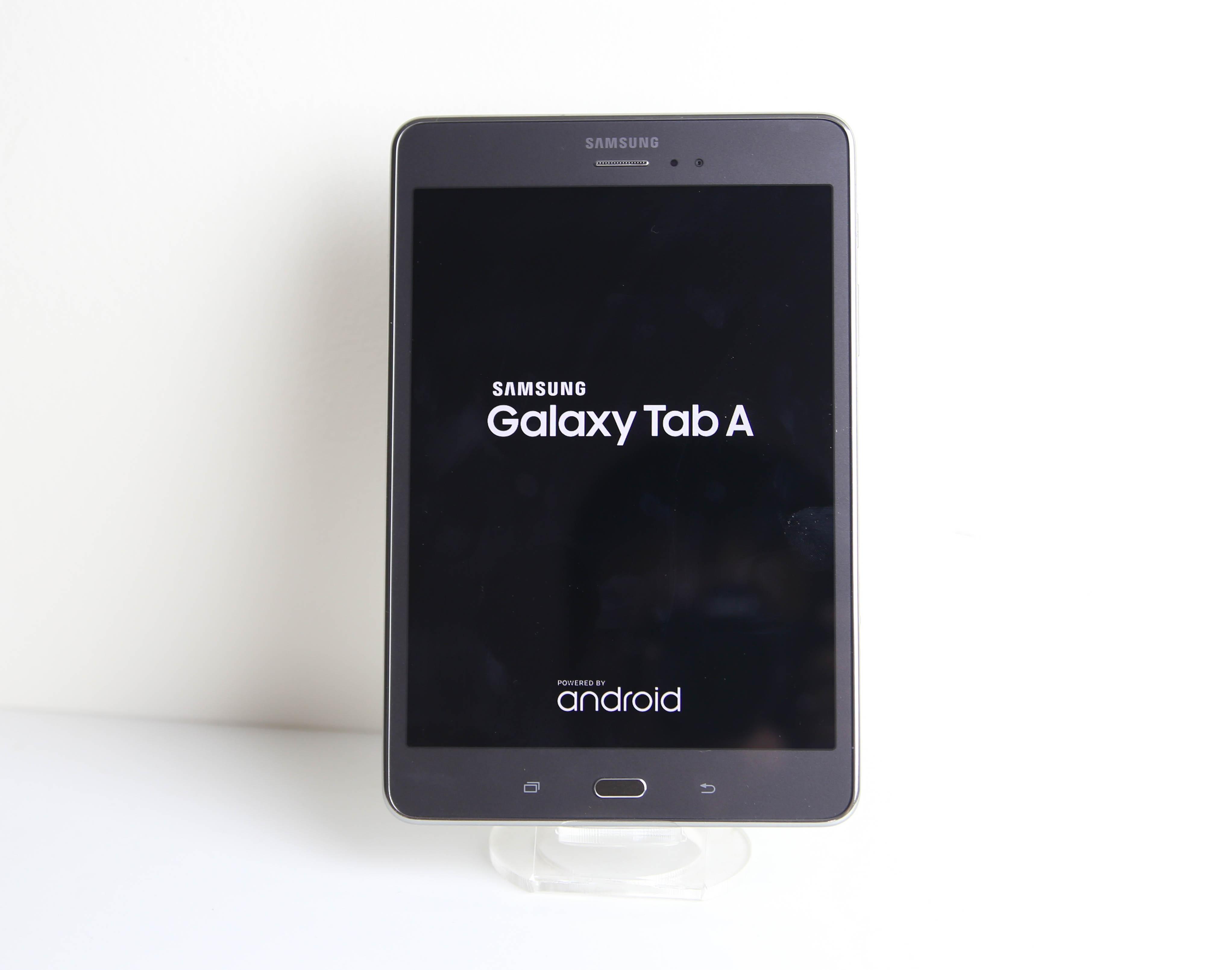 Cận cảnh Galaxy Tab A  8 inch đầu tiên tại Việt Nam