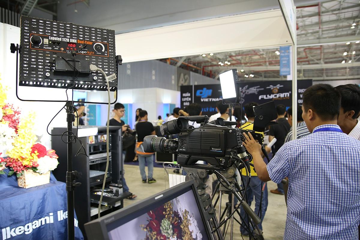 Gian hàng các thiết bị quay phim chuyên nghiệp