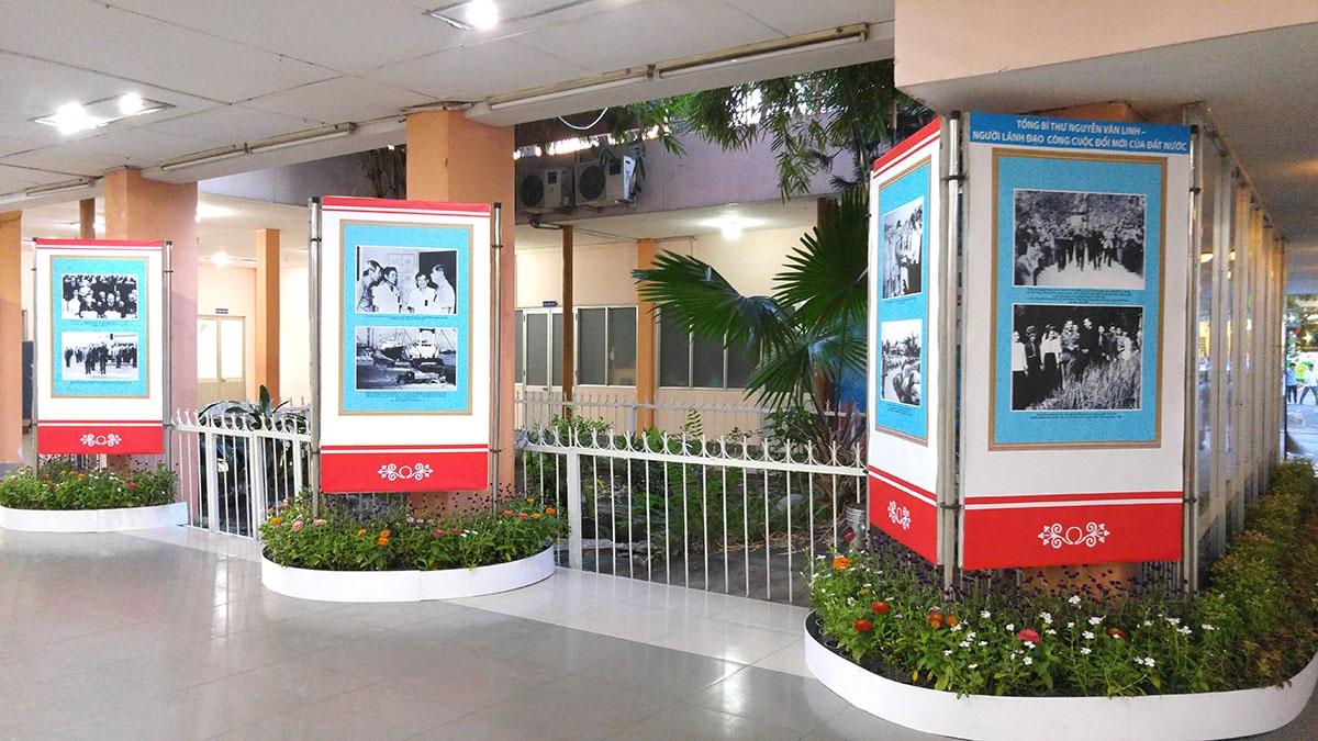 Triển lãm trưng bày 78 ảnh về Tổng Bí Thư Nguyễn Văn Linh và sẽ diễn ra đến hết ngày 5/7
