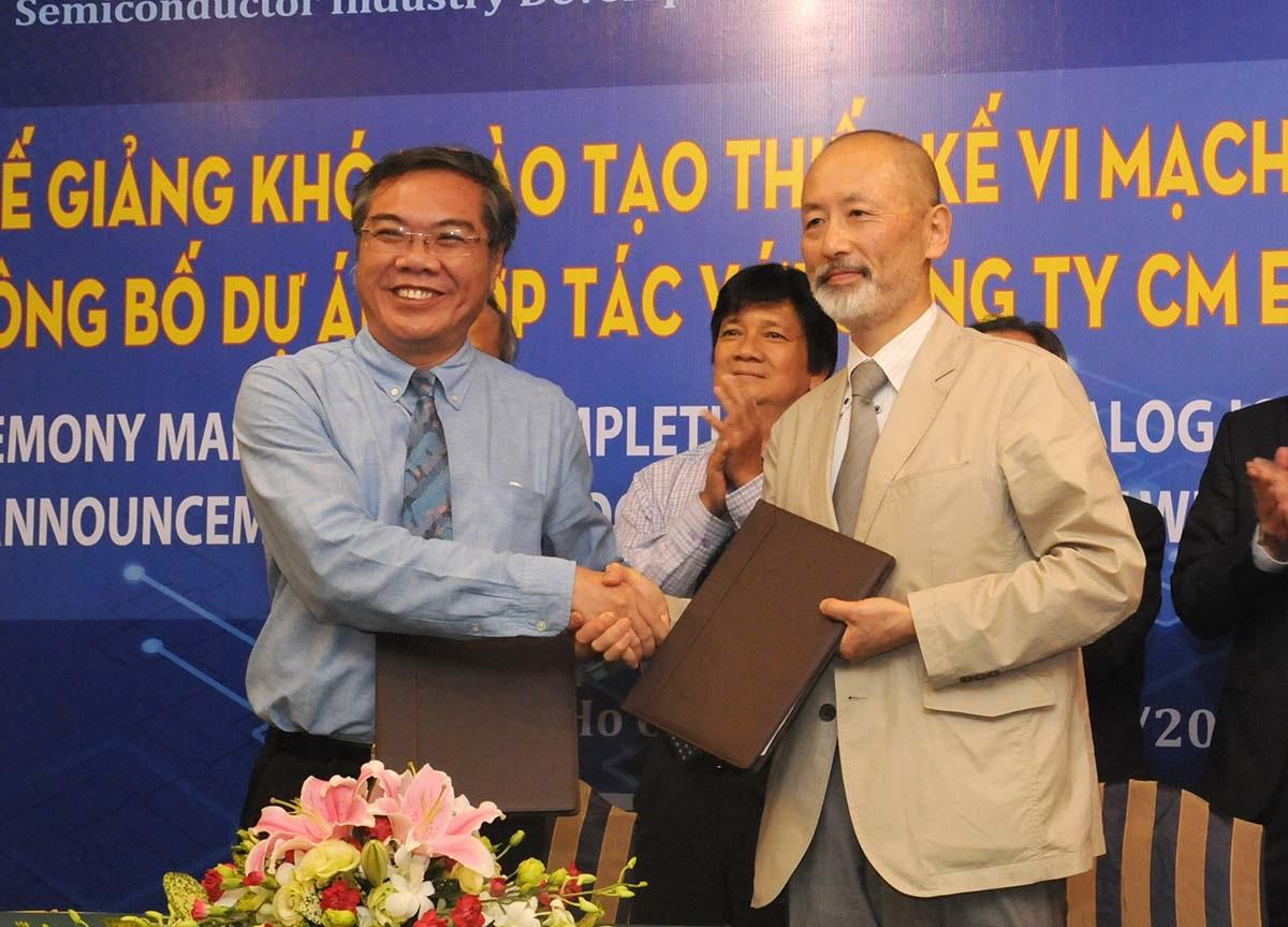 Đại diện ICDREC và CM Engineering ký kết hợp tác