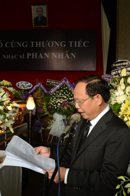 Ông Tất Thành Cang, Phó chủ tịch UBNDTPHCM đọc điếu văn tiễn biệt người nhạc sĩ tài hoa